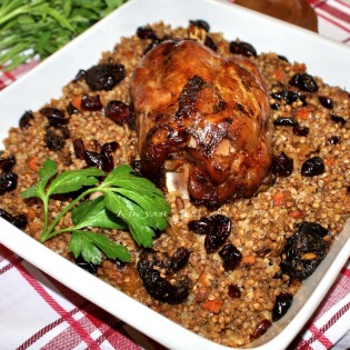 Buckwheat porridge with dried fruit, dried cranberry and smoked knuckle