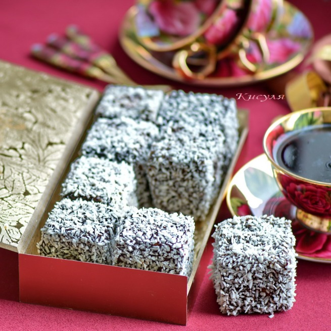 Australian cake the Lamington