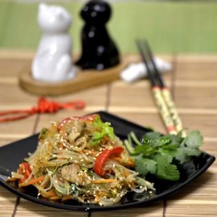 cellophane noodles with vegetables and pork