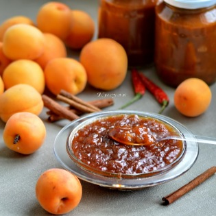 spicy apricot sauce
